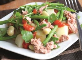 salade met tonijn en veel groentjes.jpg